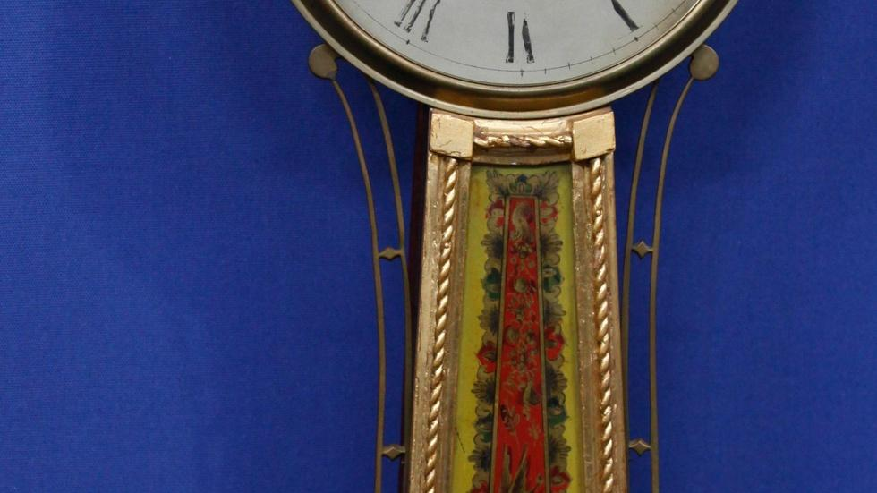 S15 Ep16: Appraisal: Aaron Willard Jr. Banjo Clock, ca. 1820 image