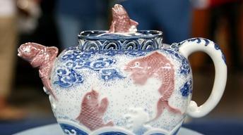 S13 Ep6: Appraisal: Makuzu Kozan Porcelain Teapot, ca. 1890