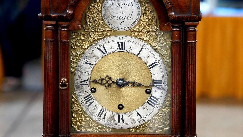 Appraisal: 1900 Grandmother Tall Clock image