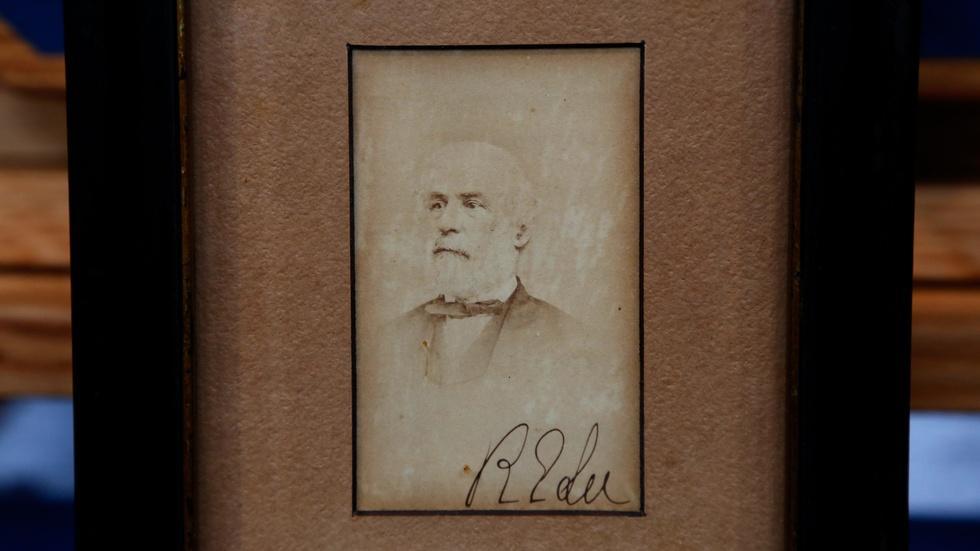 Appraisal: 1865 Robert E. Lee's Map & Signed Photo image