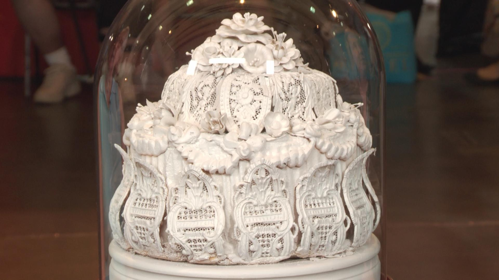 Video S19 Ep16 Web Appraisal 1888 Victorian Wedding Cake Topper