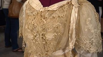 """Appraisal: """"Gibson Girl"""" Lace Teagown, ca. 1904"""