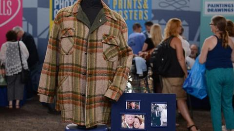 Antiques Roadshow -- Appraisal: Carroll O'Connor's Archie Bunker Coat, ca. 1970