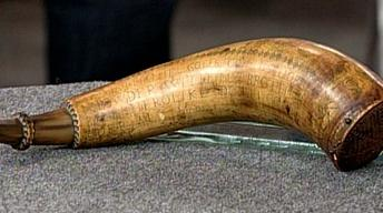 S16 Ep23: Appraisal: 1777 Engraved American Powder Horn