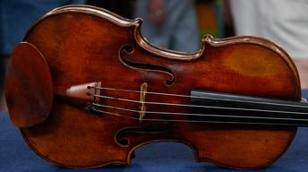 S12 Ep3: Appraisal: 1798 Nicolas Lupot Violin & Peccatte-sty