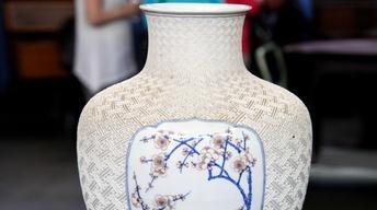 Appraisal: Makuzu Kozan Porcelain Vase, ca. 1898