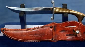 S21 Ep29: Appraisal: WWII Nichols Fighting Knife with Sheath