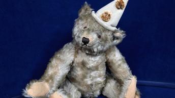 Appraisal: Steiff White Clown Bear, ca. 1920