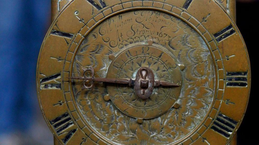 S15 Ep12: Appraisal: 1673 W. Holloway English Lantern Clock image
