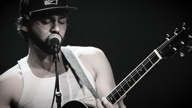 Behind the Scenes: Shakey Graves