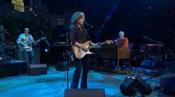 "Bonnie Raitt ""Used to Rule the World"""
