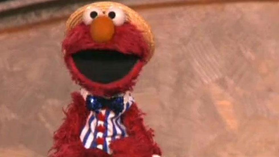 Elmo Sings Happy Birthday America image