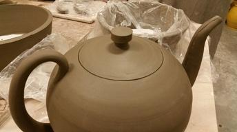 S8 Ep1: Linda Sikora Assembles Teapot