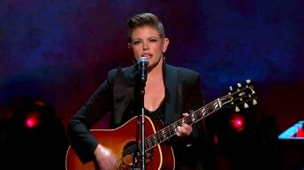 "S2014: Natalie Maines Performs ""She's Got A Way"""