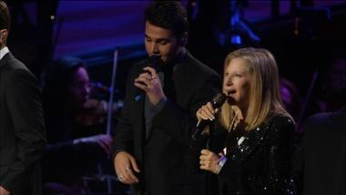 "Barbra Streisand Sings ""Smile"" with Il Volo"