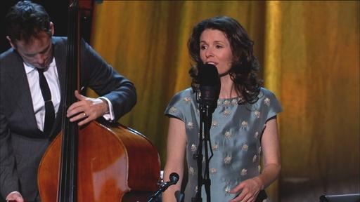 "Steve Martin and Edie Brickell Live: ""Sun's Gonna Shine"""