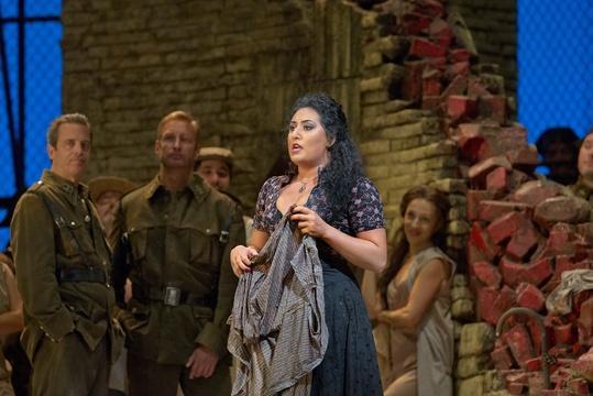 Anita Rachvelishvili sings