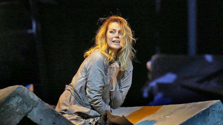"Manon Lescaut: ""Ahi! mia beltà funesta"" (Opolais)"
