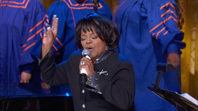 "Shirley Caesar Performs ""Sweeping Through the City"""