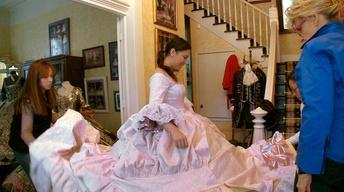 Nuevo Laredo Debutante Rosario Gets Fitted for a Dress