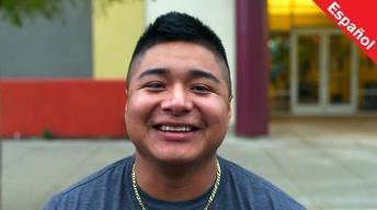 Estudiante elige entre la vida de pandillas o la graduación