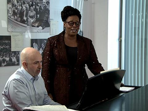 Dianne Reeves rehearses