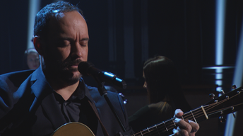 "Dave Matthews premieres ""Here On Out"" on Seasons of Cuba"