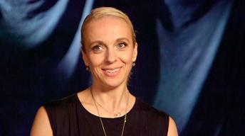 S4: Amanda Abbington vs. YouTube