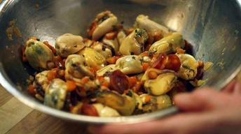 S4: Bonus Scene: Marinated Mussels
