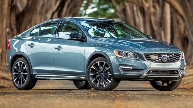 2016 Volvo S60 Cross Country/S60 Inscription & 2016 BMW 640i