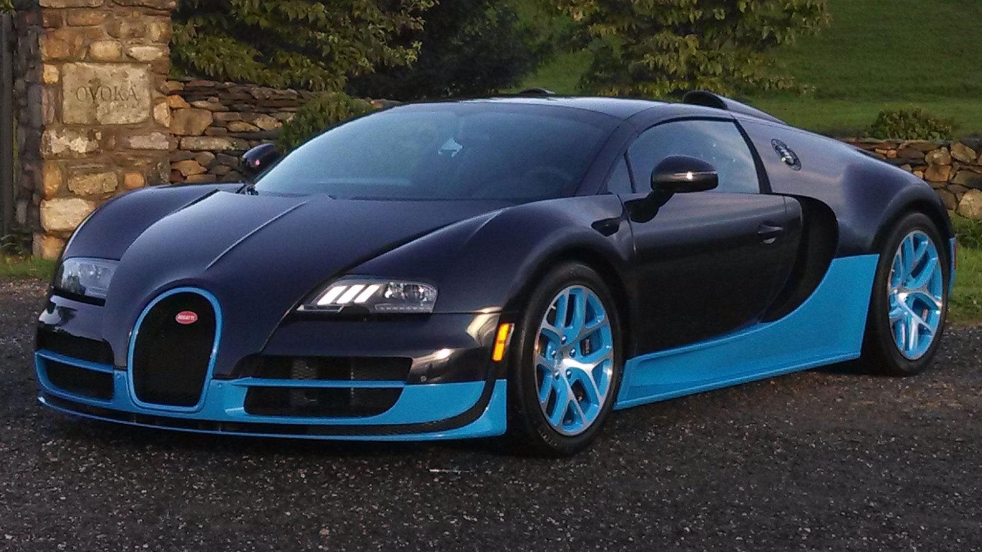 2013 Bugatti Veyron Grand Sport Vitesse & 2013 Mitsubishi Ou image