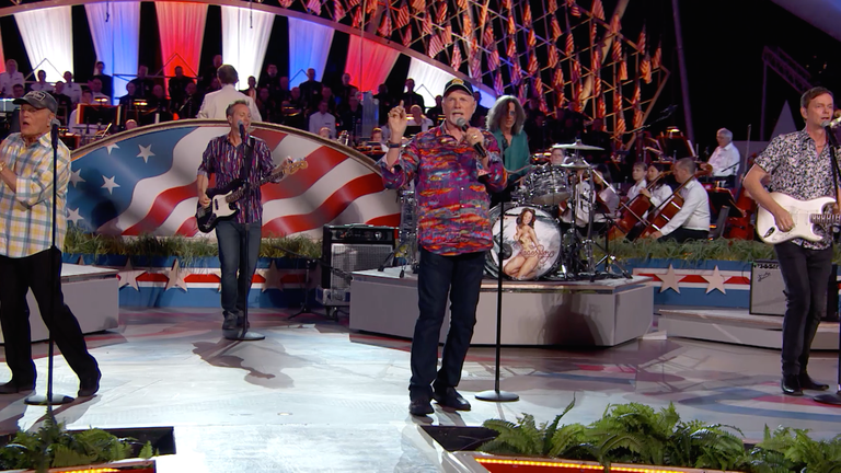 """The Beach Boys Perform """"Surfin' USA"""" at the 2016 Concert"""