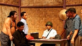 Indonesian heroes weigh airing truth in 'The Act of Killing