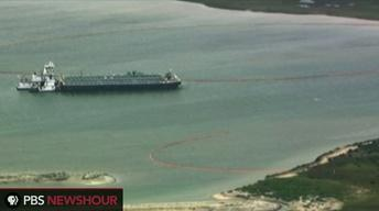 Texas City oil spill blocks major shipping channel