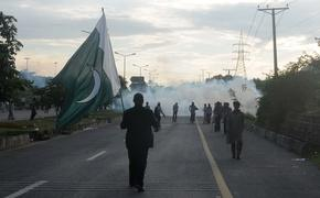 Why continued protests may curb Pakistan's democracy