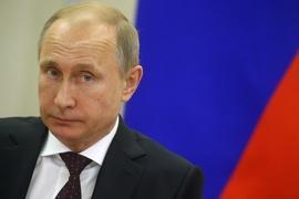 Does economic turbulence hurt Putin's power?