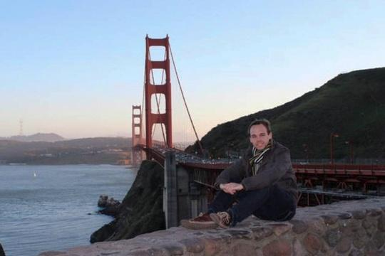 Investigators probe the life of the Germanwings co-pilot