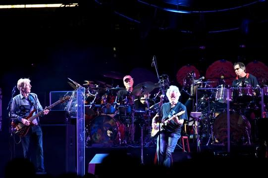 Grateful Dead bids farewell to faithful followers