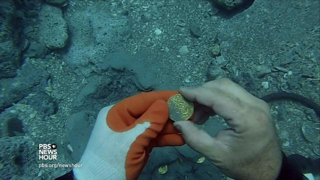 Treasure hunters strike gold off Florida coast