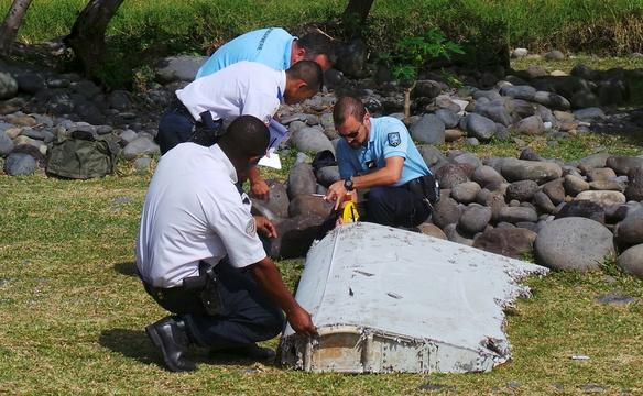 Debris may be first trace of missing Malaysian plane