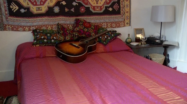 Inside Jimi Hendrix's 1960s London pad