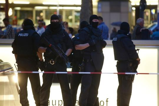 News Wrap: Deadly shooting rampage at German mall