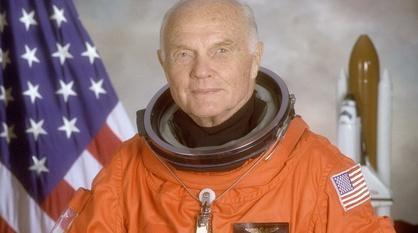 PBS NewsHour -- Remembering John Glenn, space pioneer and American statesman