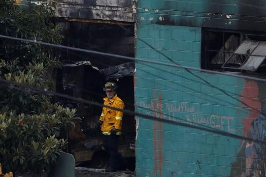 After Oakland fire, a crackdown on warehouse spaces