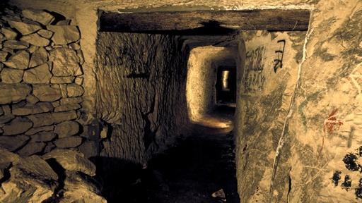 Secret Tunnel Warfare Video Thumbnail