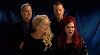B-52s with the Wild Crowd! - Live | Love Shack