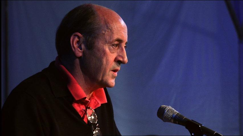 consolation by billy collins 2 essay Essay resonnerende temaoppgave fortelling the poem consolation is written by the famous american poet billy collins in 1995 billy collins - consolation.