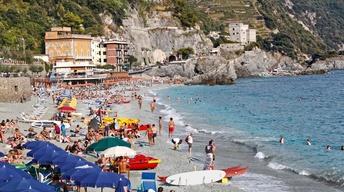 S8 Ep7: Monterosso al Mare, Italy: Cinque Terre Resort Town