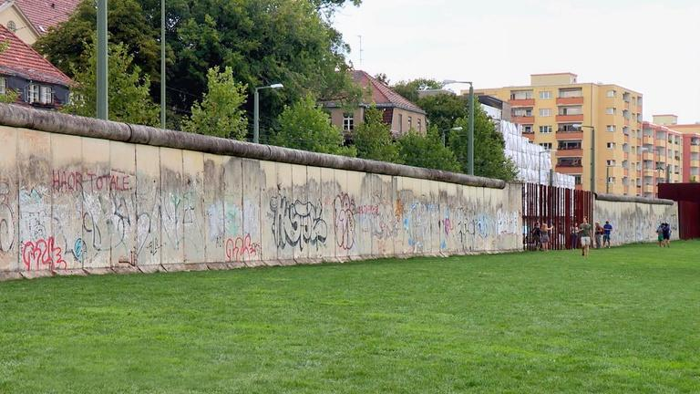 Berlin, Germany: The Wall and Checkpoint Charlie