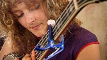 "Abigail Washburn Performs ""Shotgun Blues"""